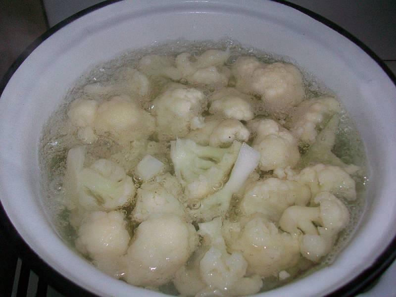 Karnabahar suyu