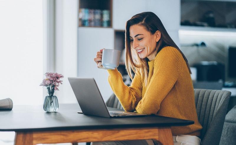 Görüntülü yapılan online toplantıda güzel ve bakımlı görünmenin yolları neler?