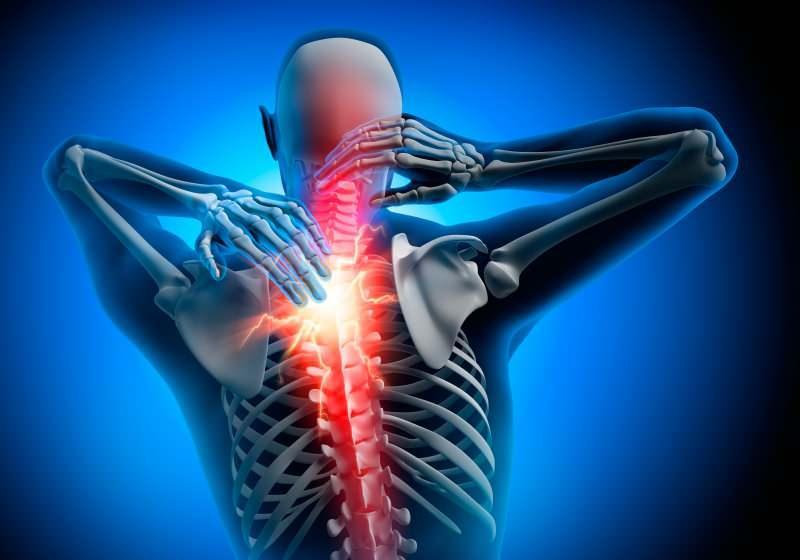 boyun fıtığı gibi ağrılar görülür ancak boyun fıtığında düz bir ağrı varken bu ağrılar ete batarak yaşanır