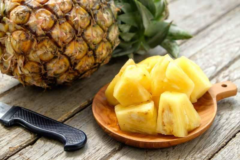ananas içeriğinde doğal şeker barındırır