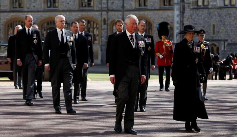 İngiltere Kraliyeti siyahlara büründü! Prensi Philip'in cenazesinden kareler…