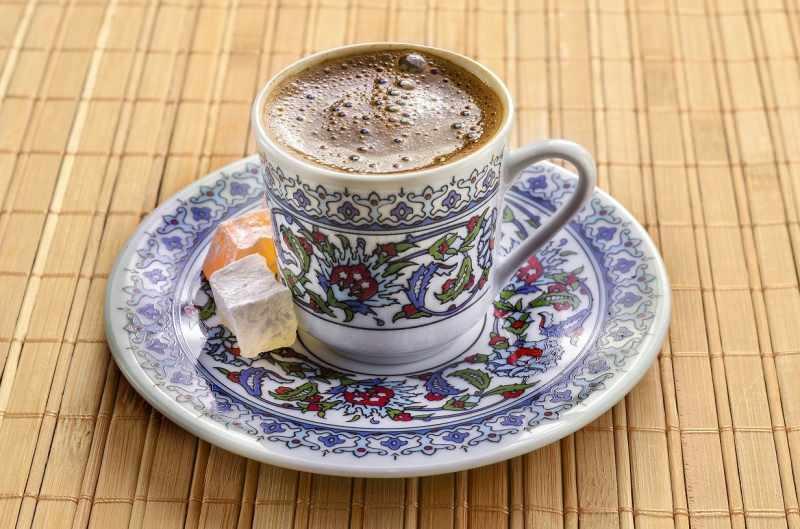 kahve baş ağrısının yaşanmasını önler