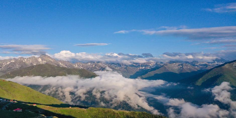 Bulutların üzerinde bir dünya!