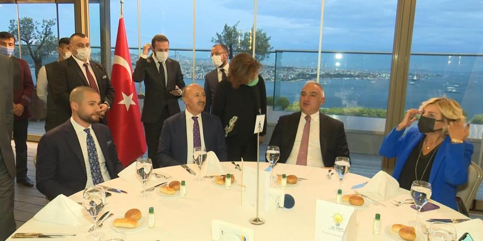 Turizm Bakanı Ersoy turizm sektör temsilcileriyle buluştu