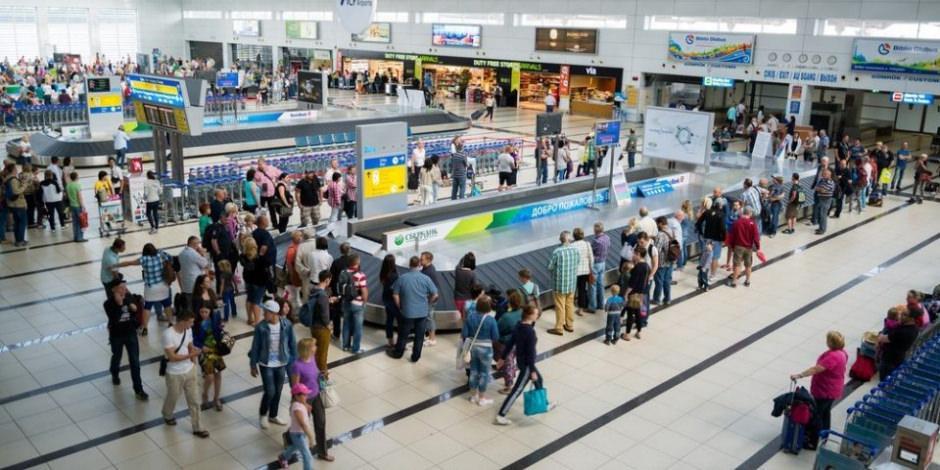 Turizm merkezlerindeki havalimanlarının yolcu sayıları açıklandı