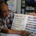 Filistinli pul koleksiyoneri eczacı Yunus 60 yılda 10 bini aşkın posta pulu topladı!