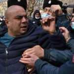Ermenistan ordusu Paşinyan'ı istifaya çağırdı! Sokaklar karıştı...