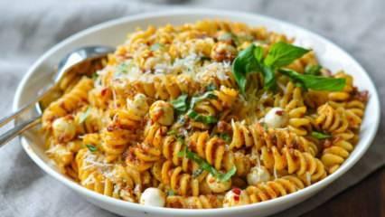Domates soslu makarna nasıl yapılır? En kolay domatesli makarna tarifi