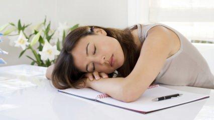 Orucun ilk haftasında oluşan yorgunluk ve uyku hali neden olur? Yorgunluğu önleyen besinler...