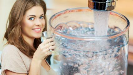 Su içmek kilo aldırır mı? Zayıflamak için günde kaç litre su içilmeli? Gece su içerseniz...